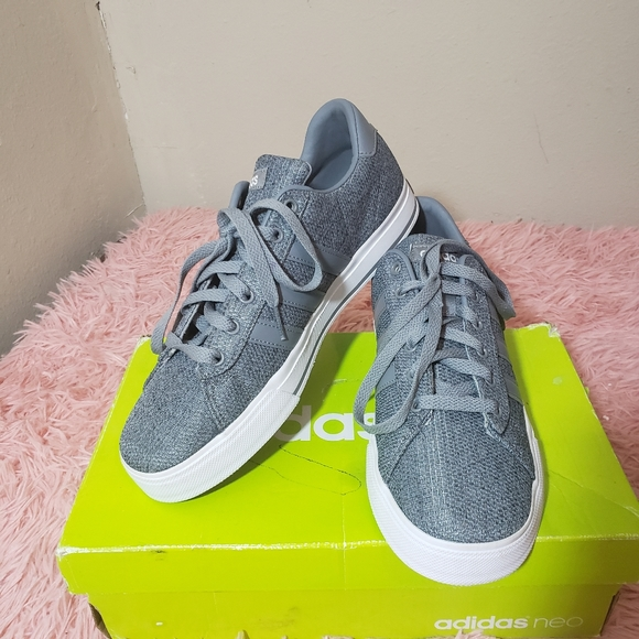 Men Adidas neo sneakers size 8 in gray